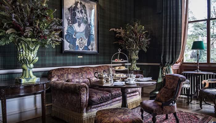 Vacante de lux 2020: The Fife Arms, Scotia – hotelul galerie de arta